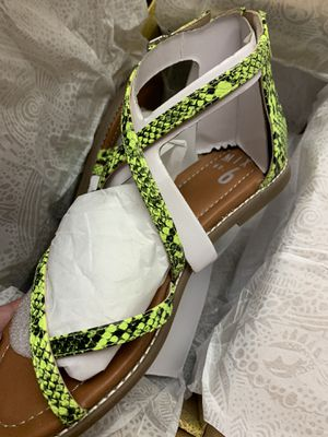 Sandals 7.5 for Sale in Paramount, CA