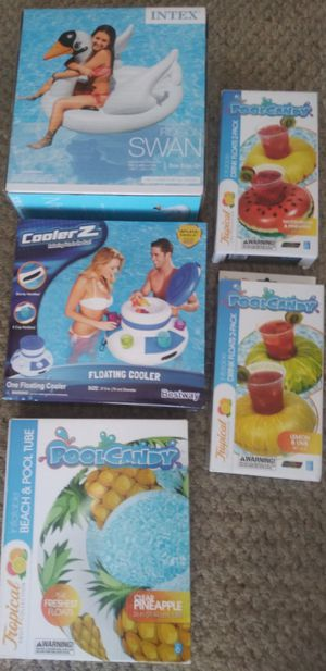 Brand New Pool Cooler,Large Floats,Cup Holders for Sale in Cincinnati, OH
