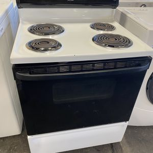 GE electric stove can deliver for Sale in Sacramento, CA