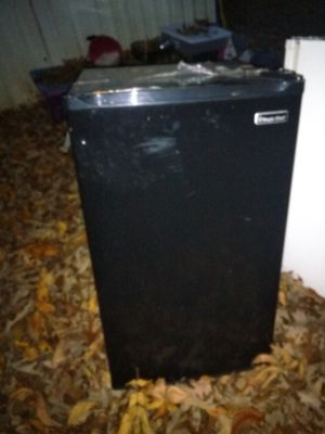 Mini fridge for Sale in Walland, TN