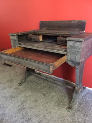 Antique Wilhelm Desk for Sale in Columbus, OH