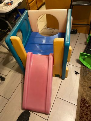 FREE mini playground (pending pickup) for Sale in Compton, CA