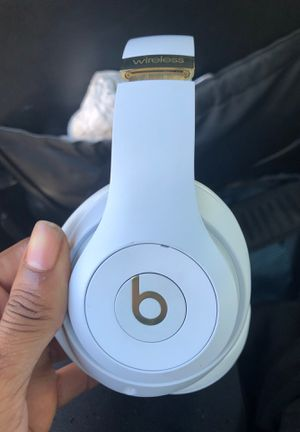 studio 3 wireless beats (white & gold) for Sale in Hawthorne, CA