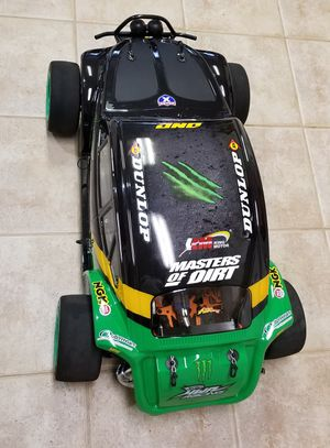 1/5 genuine Hpi 5sc 5b 5t new motor great conditon many upgrades for Sale in Houston, TX