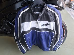 Leather motorcycle jacket for Sale in Grand Prairie, TX