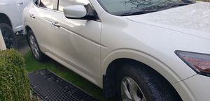2011 Honda Crosstour 4wd EXL 6cyl(11k miles) for Sale in Tacoma, WA