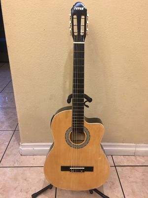 Fever classic electric acoustic guitar for Sale in South Gate, CA