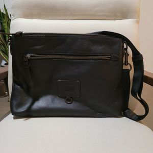 Auth COACH Men's Messenger for Sale in Los Angeles, CA