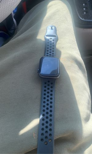 Series 5 Nike edition Apple Watch I'm not mailing out so don't ask for Sale in Southfield, MI
