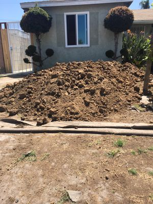 FREE.....FREE.... CLEAN DIRT ....FREE Pick up in Whittier By Carmenita and Lakeland for Sale in Whittier, CA