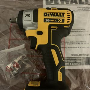 Dewalt 20v XR brushless 3/8 impact wrench for Sale in Chula Vista, CA