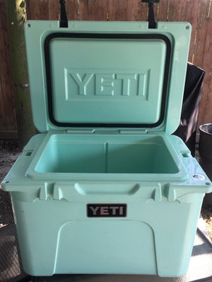Yeti 35 for Sale in Houston, TX