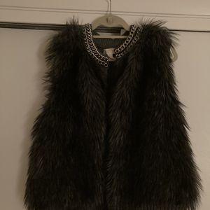 Michael Kors Faux Fur Vest for Sale in Chicago, IL