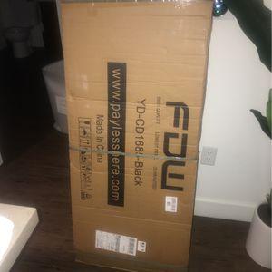 Computer Desk Brand NEW STILL IN BOX for Sale in Corona, CA