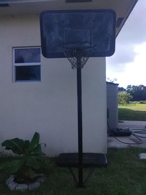 Portable Basketball Hoop for Sale in LAUD LAKES, FL