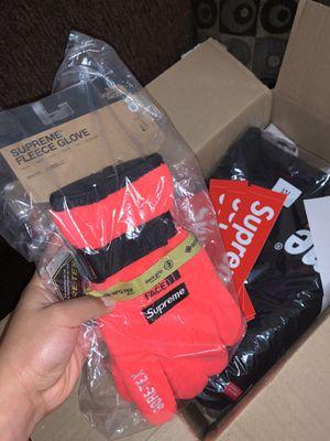 Supreme Fleece Gloves for Sale in Commerce, CA