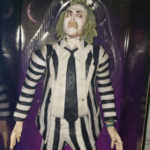 18 inch Neca Beetlejuice Figure Complete in Box for Sale in Whittier, CA