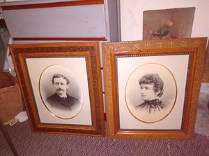 """2 beautiful picture frames they're high cality27"""" by 23"""" for Sale in Kent, WA"""