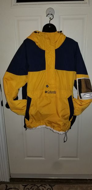 Columbia Woman's Size X-Large PULLOVER Jacket Worn only 1 Time Excellent Condition for Sale in Taylor, MI