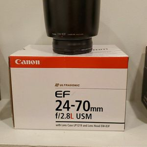 Canon EF 24-70mm f/2.8L USM (LIKE NEW) for Sale in Commack, NY