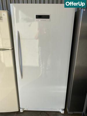 White Frigidaire Freezer Upright #1260 for Sale in Orlando, FL