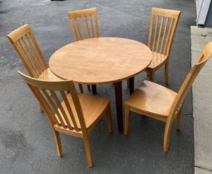 Table with 5 chairs in good condition. for Sale in Kent, WA