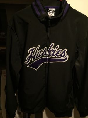 Huskies jacket for Sale in Seattle, WA