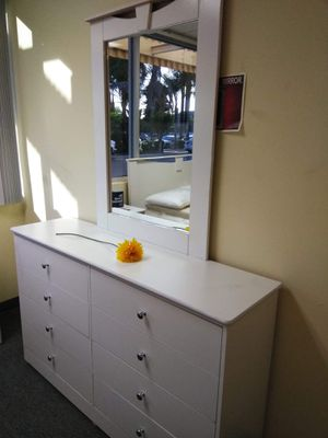 Compressed Wood Dresser with Mirror for Sale in Anaheim, CA