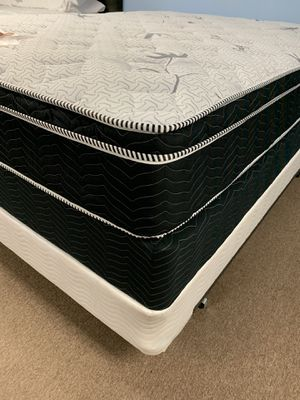 NEW QUEEN PILLOW TOP MATTRESS SET for Sale in Beaumont, CA