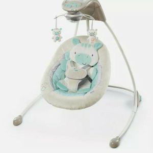 Zoo Zoo Zebra Ingenuity Baby Swing for Sale in Grayslake, IL