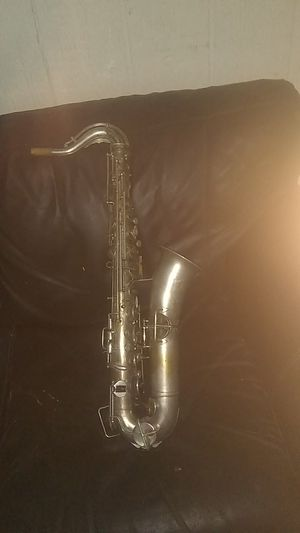 Antique Guescher saxophone made in1914, needs mouthpiece. Valued at 1900 will take 900 for Sale in Phoenix, AZ