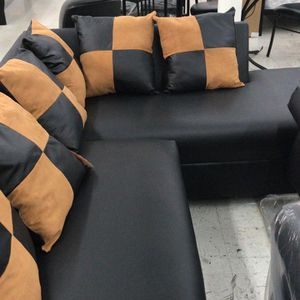 FURNITURE NEW SECTIONAL BLACK. MUEBLES SECCIONAL NUEVO NEGRO for Sale in Miami, FL