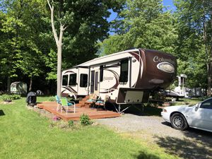 Columbus by Palamino 5th Wheel, 2015 for Sale in Hulberton, NY