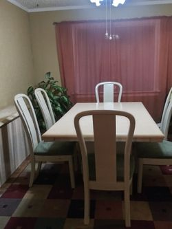 Complete Dining Set for Sale in Baltimore,  MD