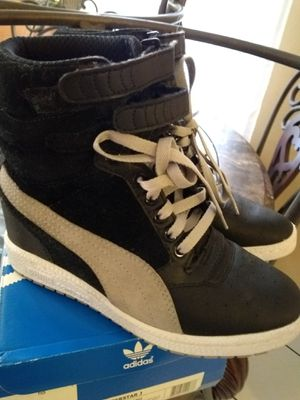 PUMAS HIGH TOP FOR GIRLS for Sale in Lynwood, CA
