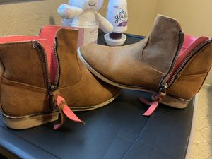 Girls Brown Boots for Sale in Lubbock, TX