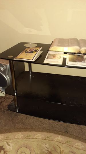 BLACK GLASS TV STAND 60INCHES for Sale in Indianapolis, IN