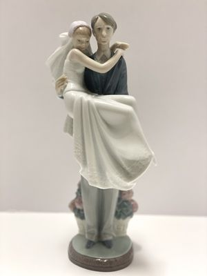 Lladro Wedding Figurine for Sale in Irvine, CA
