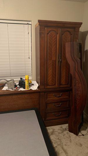 Bedroom set for Sale in Atascadero, CA