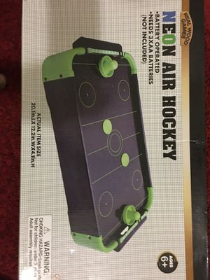 Mini air hockey table (battery not included) for Sale in Dallas, TX