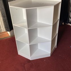 River ridge 6 Cubby And 3 Bookshelf Holder for Sale in Los Angeles,  CA