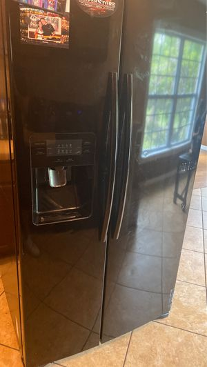 Free Samsung fridge for Sale in Spring Hill, FL