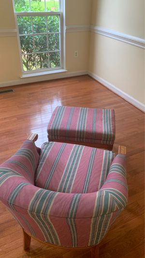 Arm chair with ottoman for Sale in Silver Spring, MD