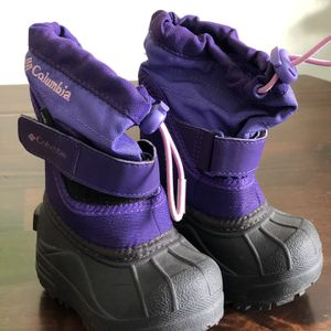 Toddler Snow Boots Size 4c for Sale in Long Beach, CA