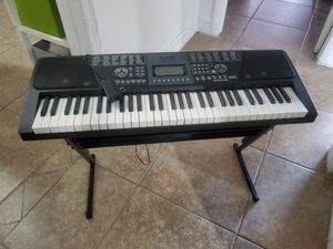 Piano Eléctrico for Sale in Miami Gardens, FL