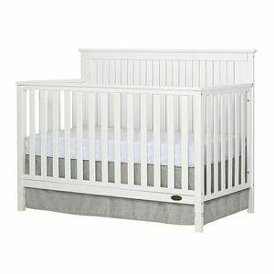 Dream On Me Alexa Crib in White for Sale in Greensburg, PA