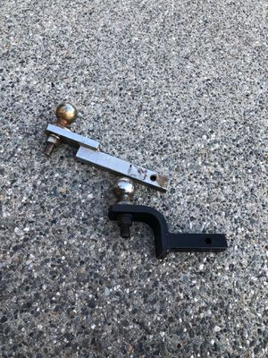 1 1/4 in trailer hitch. 2.for $20 1.for $10 for Sale in Lynnwood, WA