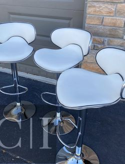 Brand New! $60 Each 3 White Bar Stools for Sale in Orlando,  FL