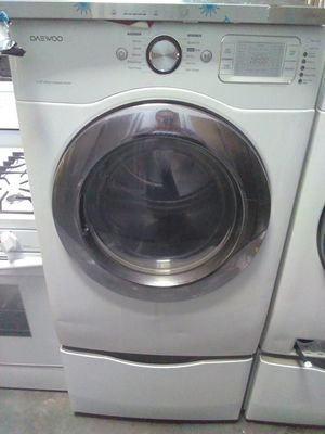 White washer and dryer daewood for Sale in Santa Monica, CA