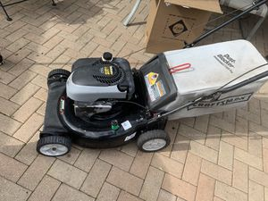 Lawn mower——-PUSH MOWER for Sale in Chicago, IL